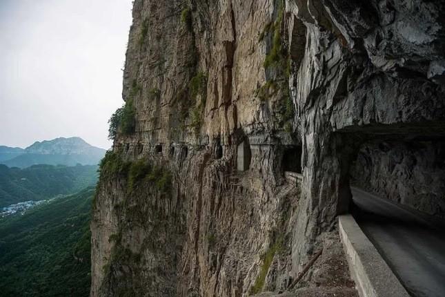 جاده های مرگ که رانندگی در آن ها مساوی با خودکشی است!