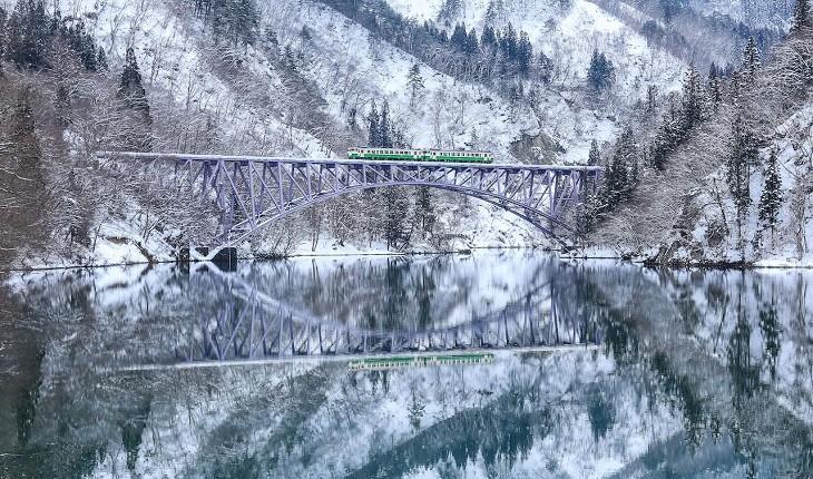 رؤیاییترین قطارهای زمستانی دنیا و مسیرهای خیره کننده شان!