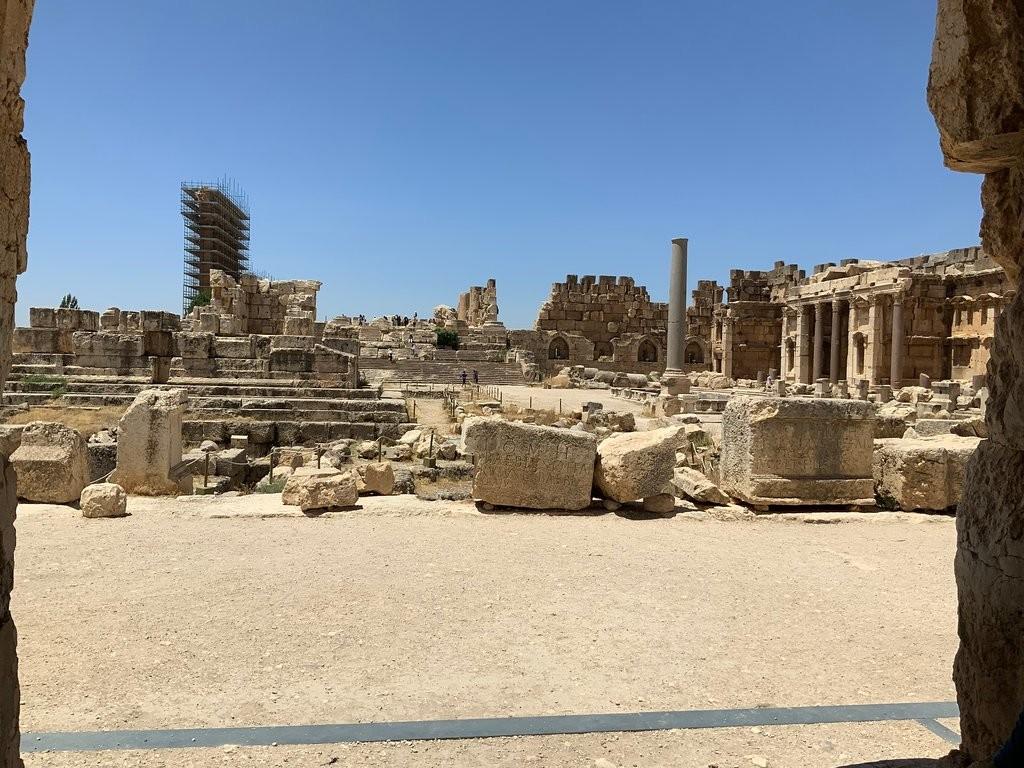 Baalbek Roman Ruins (2).jpg