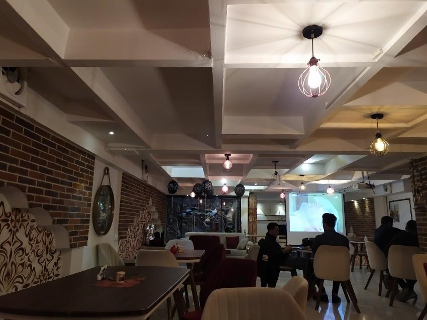 کافه استانبول (کرمانشاه)