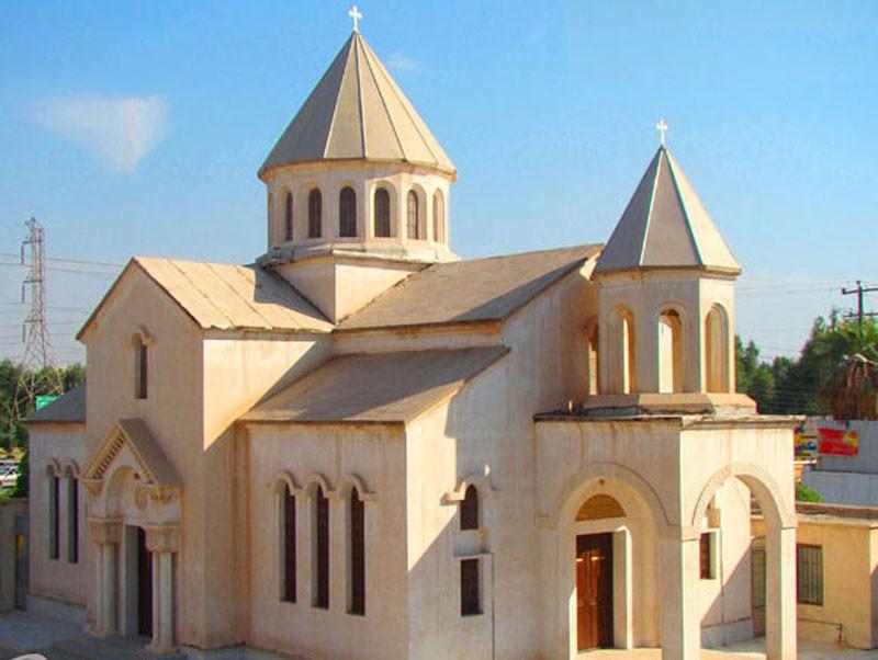 سورت گاراپت، تنها کلیسای آبادان که خوش می درخشد!