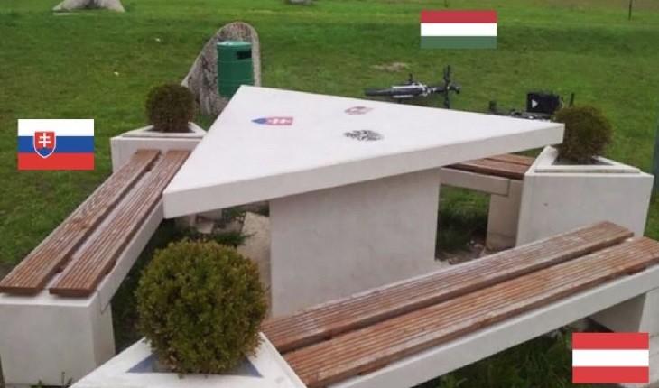 میز پیک نیک مثلثی شکل که در 3 کشور مختلف قرار دارد!