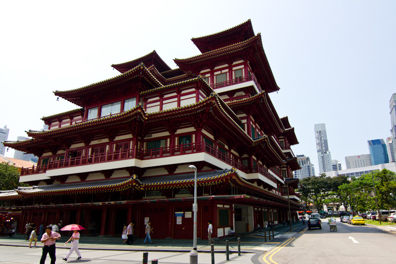 Buddha Tooth Relic Temple and Museum (1).jpg
