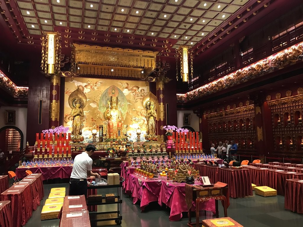 Buddha Tooth Relic Temple and Museum (4).jpg