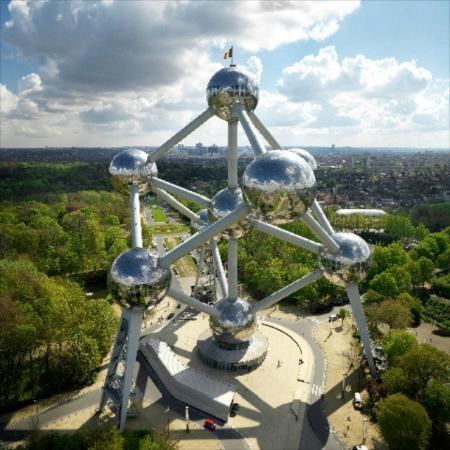Atomium brussels (3).jpg