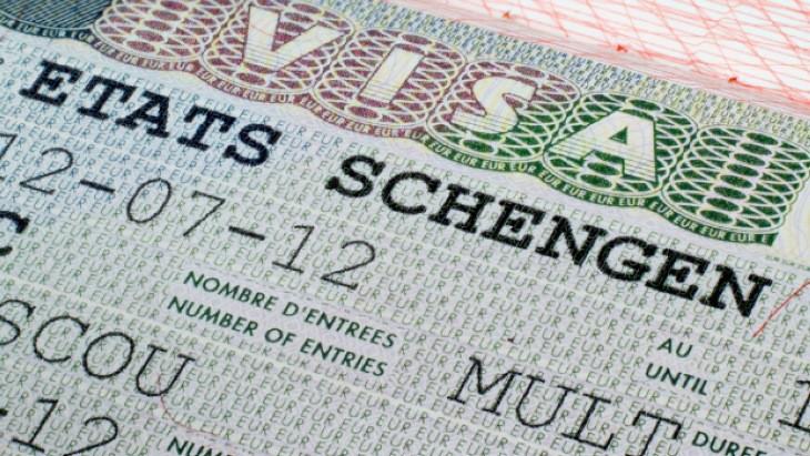اقدام برای ویزای شنگن: مستقل یا از طریق آژانس؟
