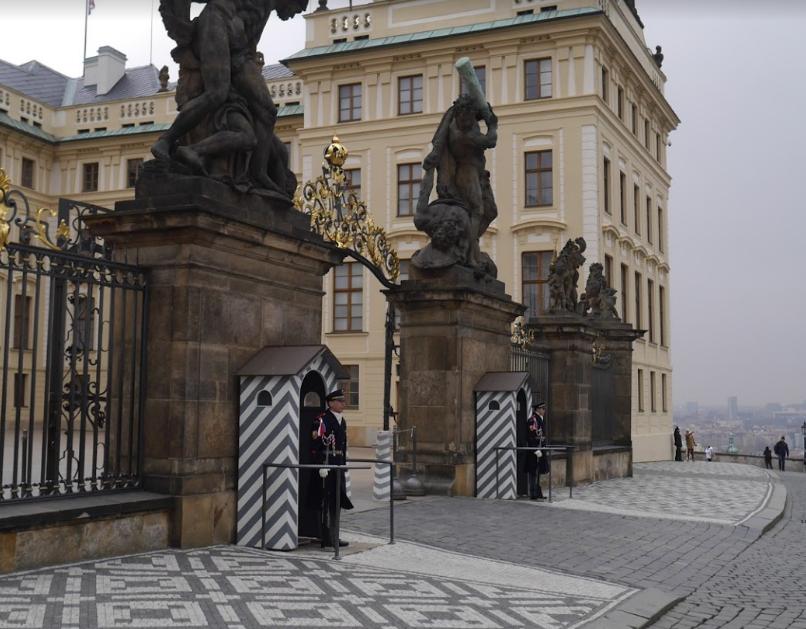 Prague Castle (5).png