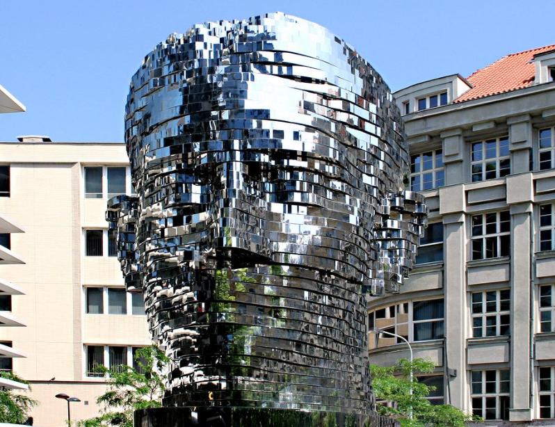 مجسمه فرانتس کافکا