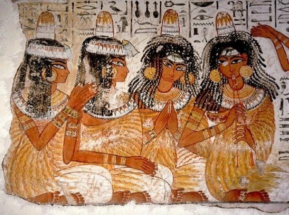 کلاه زن مدفون شده مصری، پرده از رازی چند هزار ساله برداشت!