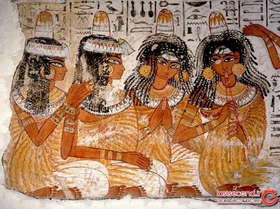 کلاه مخروطی واقعیای که روی سر زن مصری مدفون یافت شد، یک معمای باستانی را حل کرد