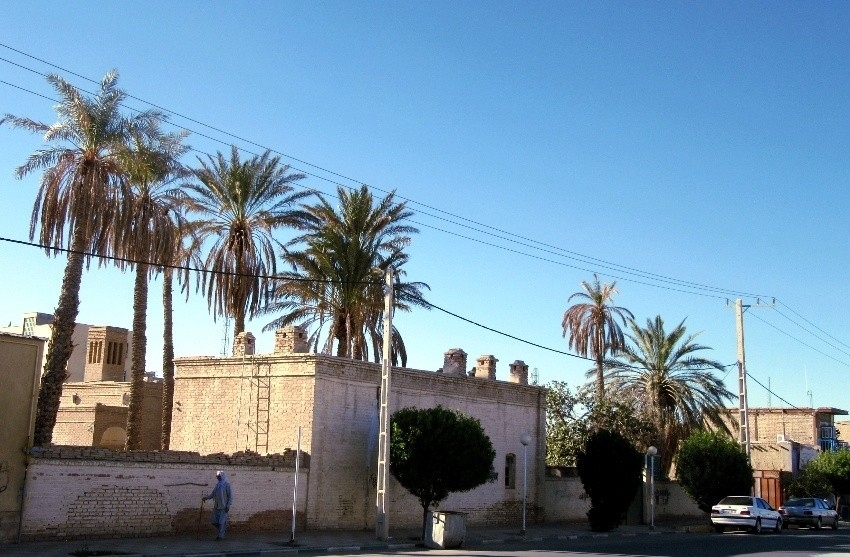 ساختمان قديمي بهداشت محيط ايرانشهر (5).jpeg