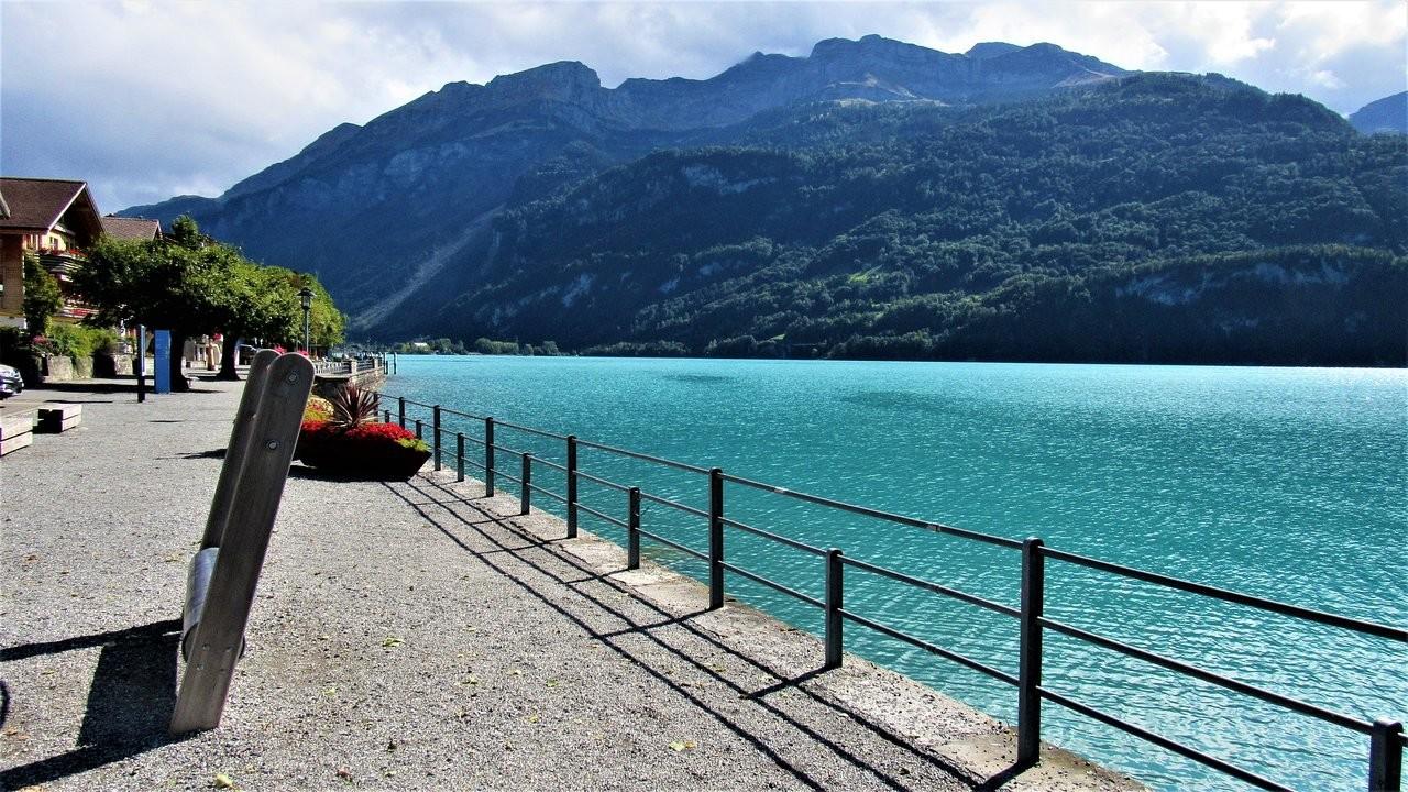 Lake Brienz  (1).jpg