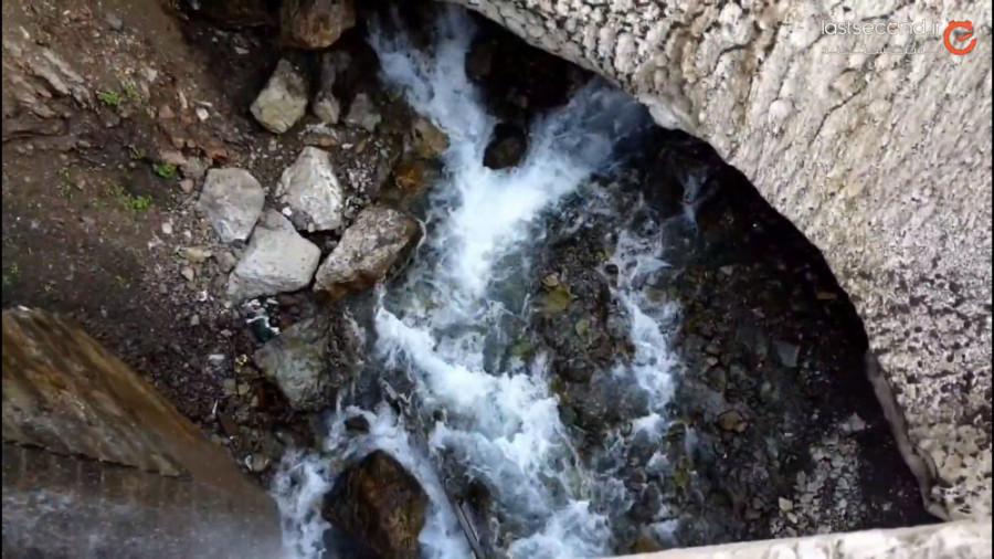 گذر از زیر بهمن برای رسیدن به آبشار تل تنگه