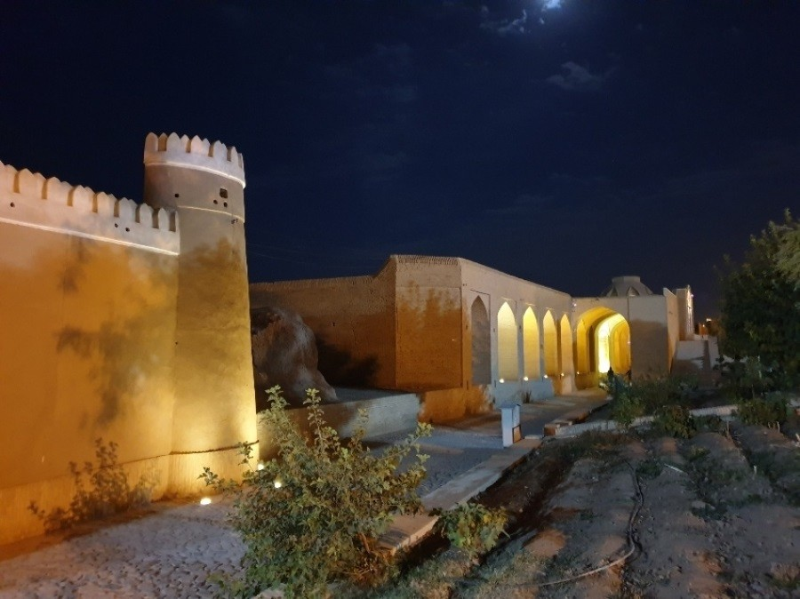 کاروانسرای شاه عباسی، کاملترین مجموعه باستانی میبد!