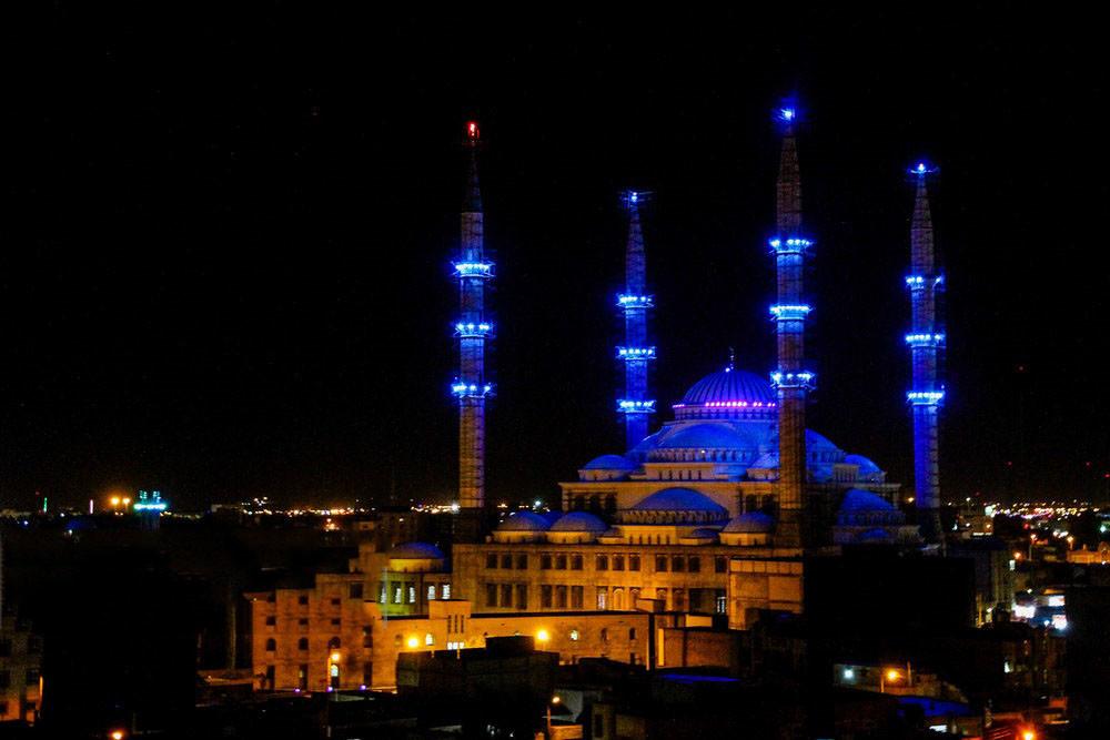 مسجد مکی، بزرگ ترین مسجد اهل سنت در زاهدان!