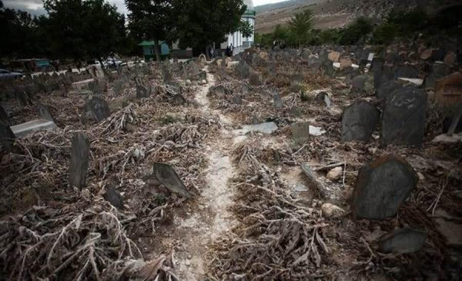 قبرستان تاریخی سفیدچاه، اولین گورستان مرموز ایران!
