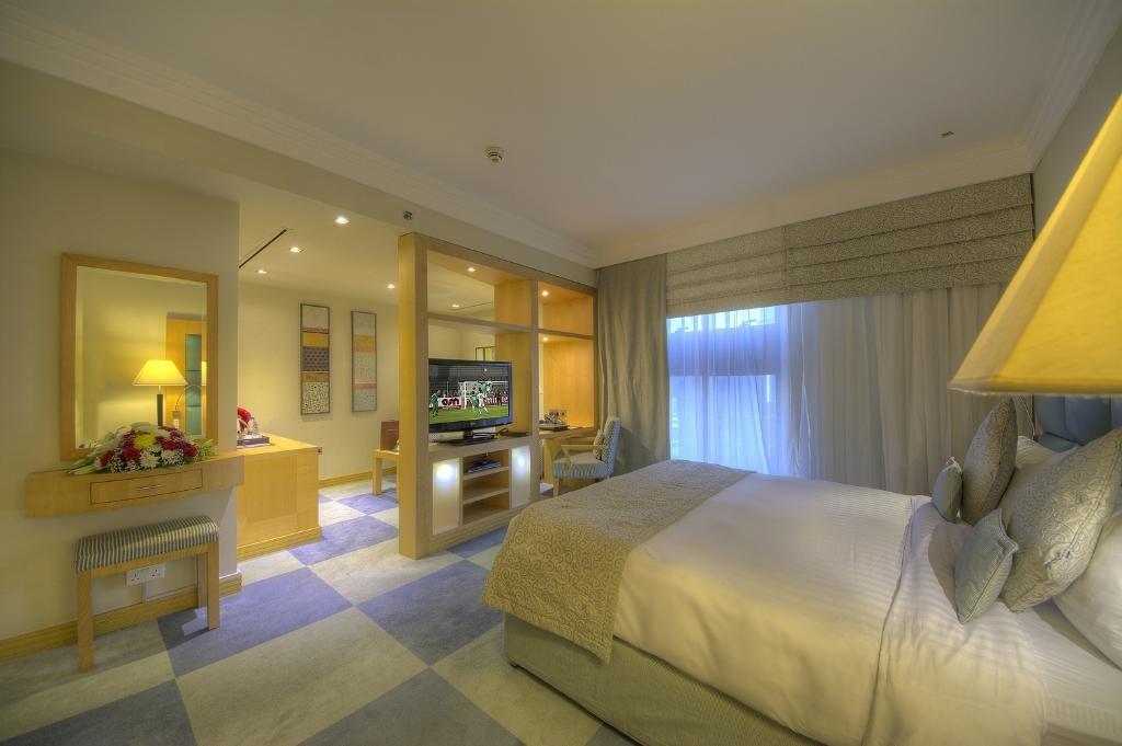 raintree-hotel-dubai (6).jpg