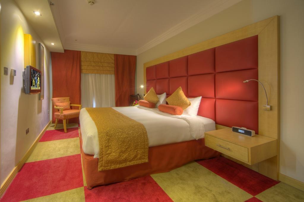 raintree-hotel-dubai (3).jpg