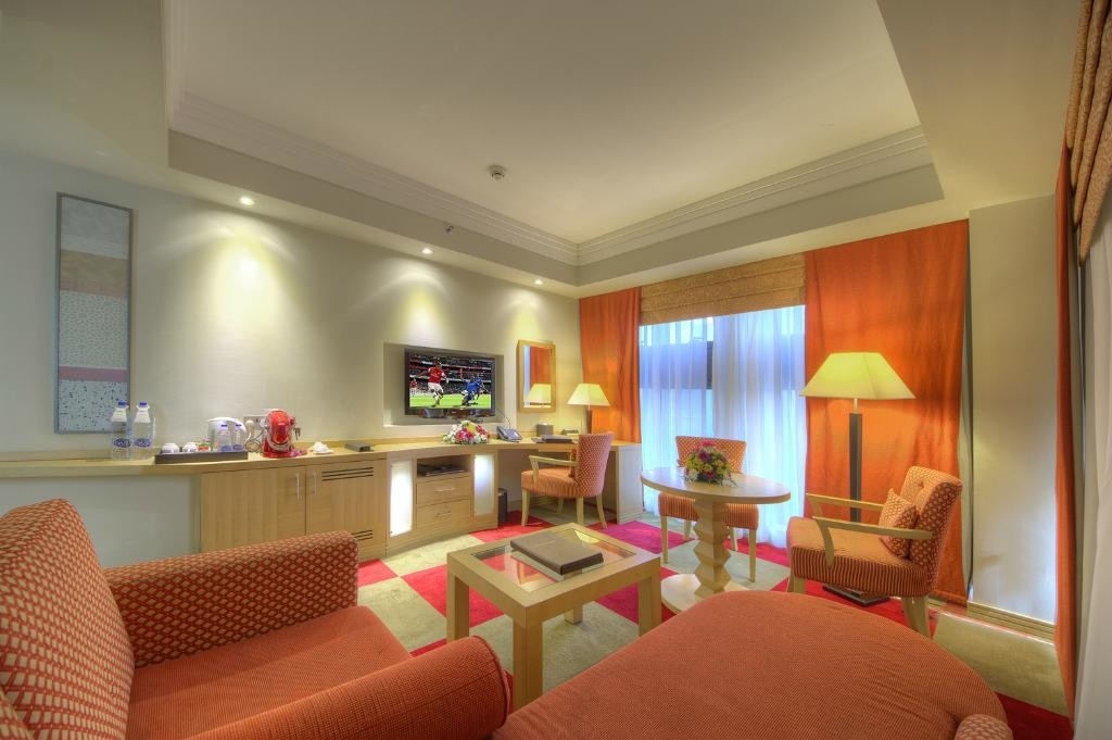 raintree-hotel-dubai (4).jpg