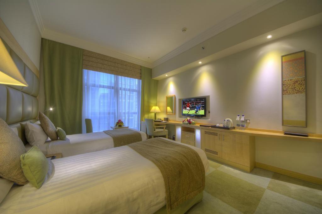 raintree-hotel-dubai.jpg