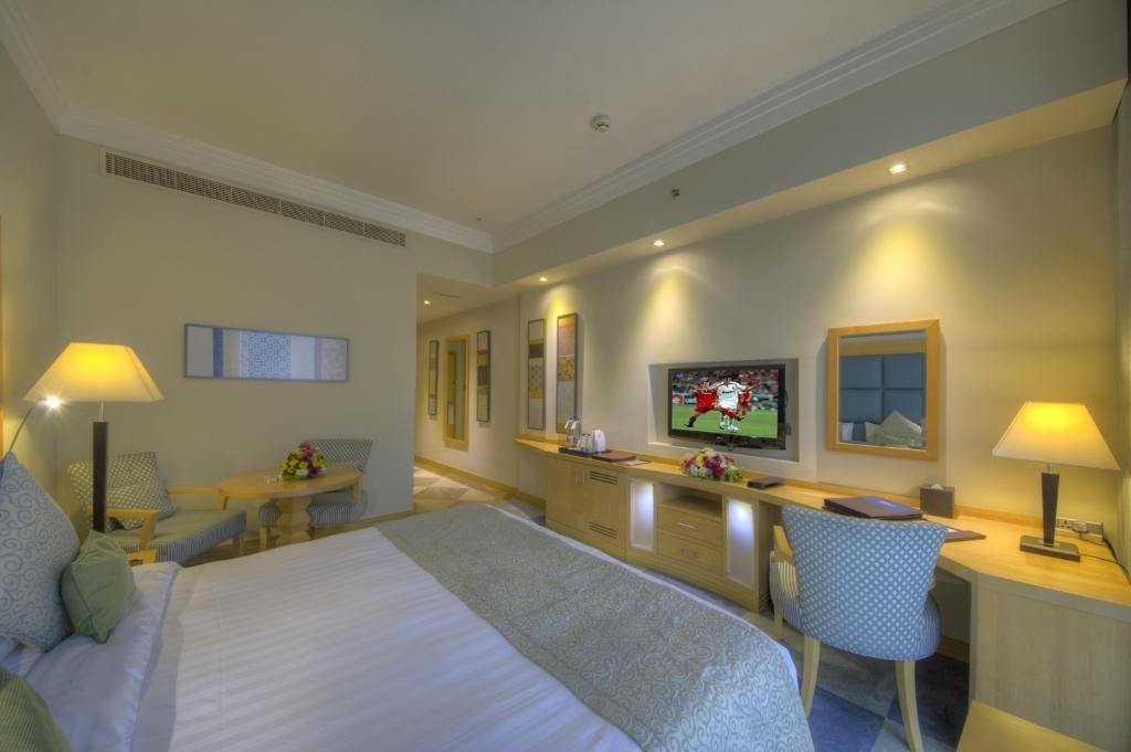 raintree-hotel-dubai (2).jpg