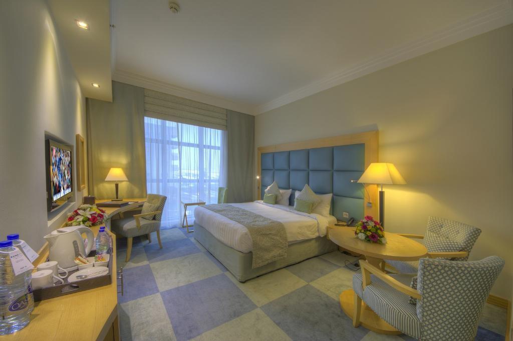 raintree-hotel-dubai (1).jpg