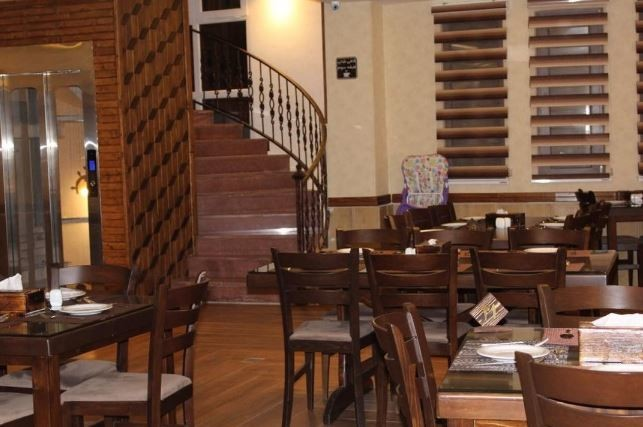 Barkaz Cafe & Restaurant bandar anzali (3).JPG