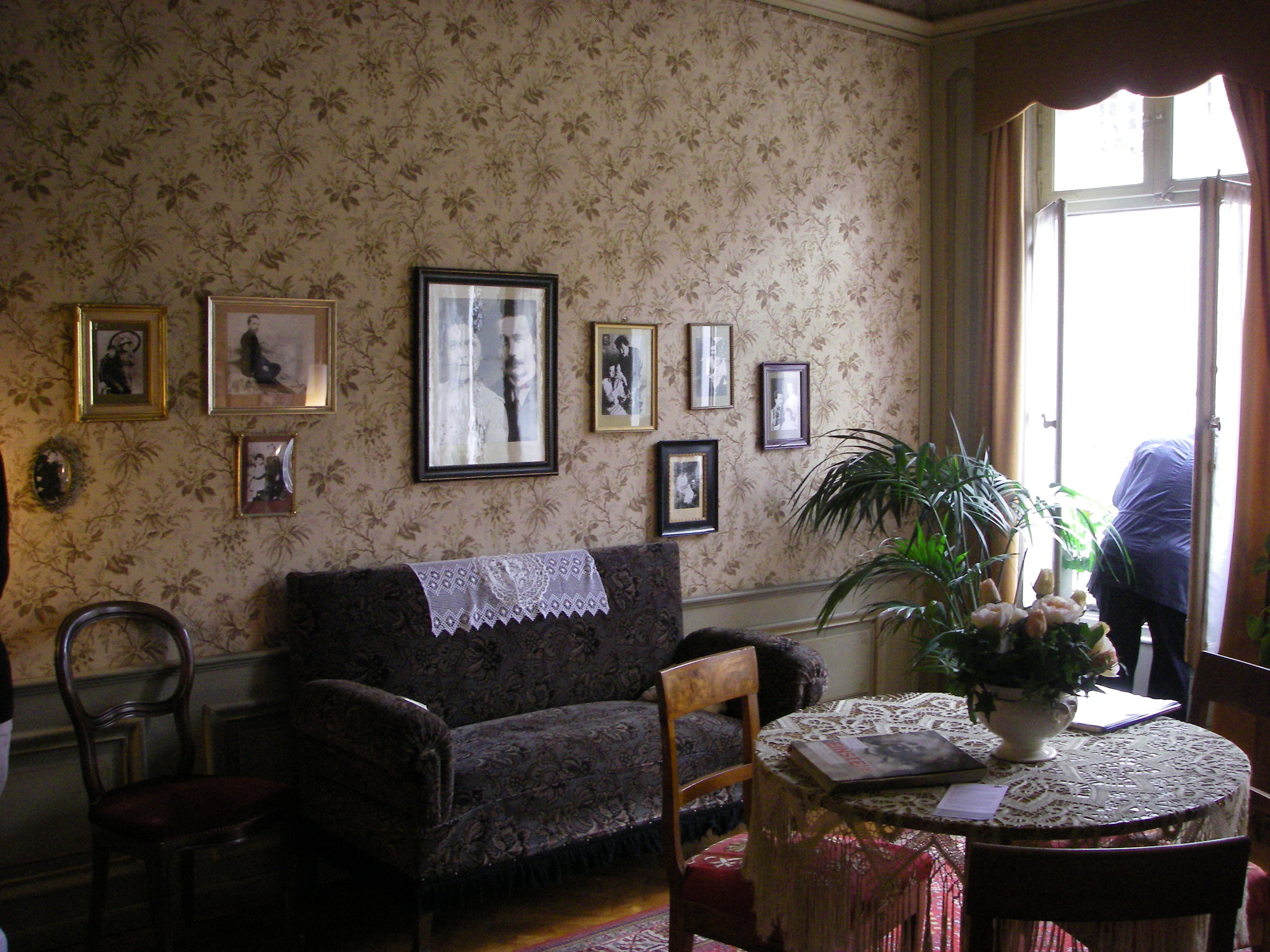 Einstein House (4).jpg