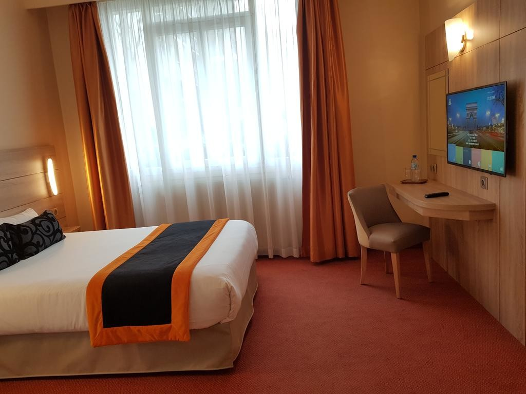 Hotel Champerret Elysees Paris  (12).jpg