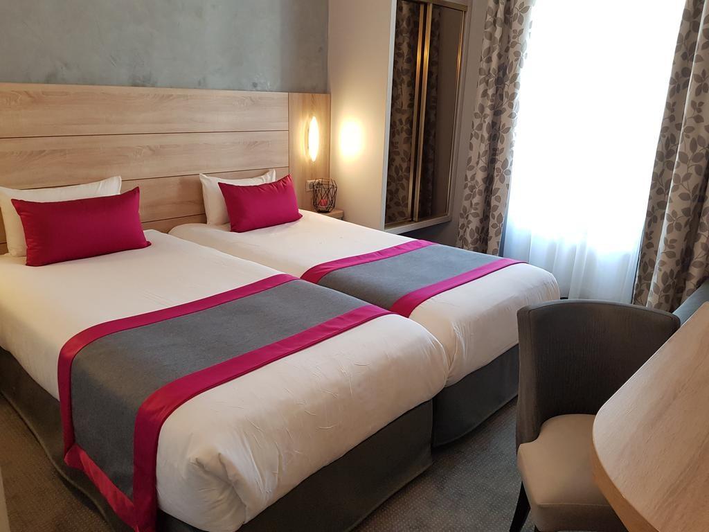 Hotel Champerret Elysees Paris  (15).jpg