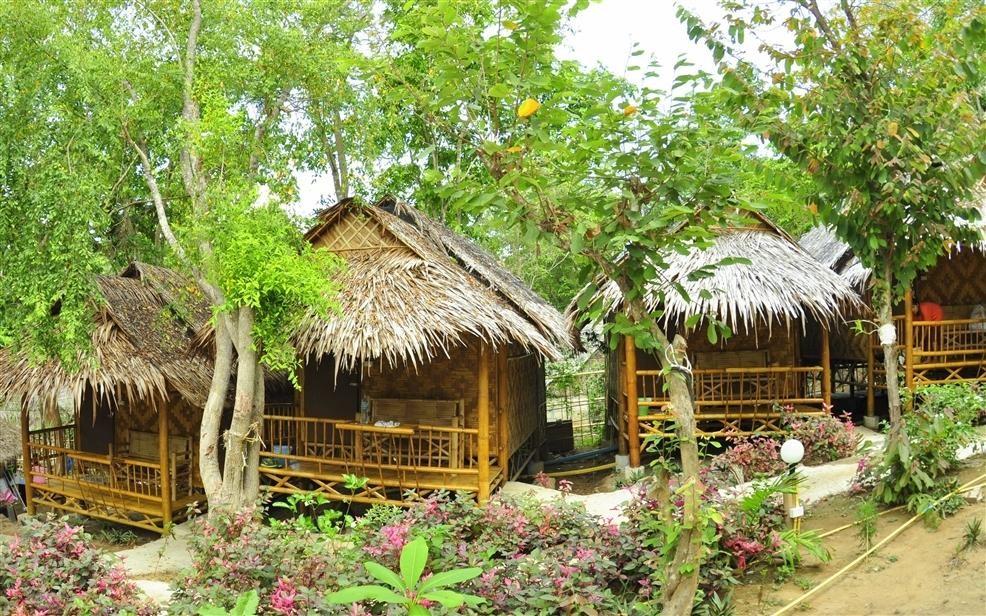 Phi Phi Hill Bamboo Bungalow (17).jpg