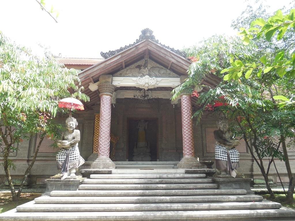 agung-rai-museum-of-art-ubud (9).jpg