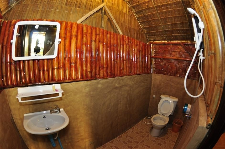 Phi Phi Hill Bamboo Bungalow (12).jpg
