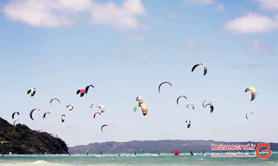 تفریحی به نام  Kite Surfing