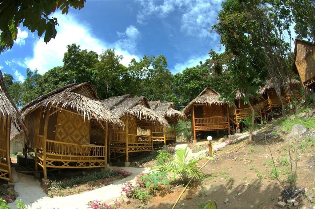 Phi Phi Hill Bamboo Bungalow (8).jpg