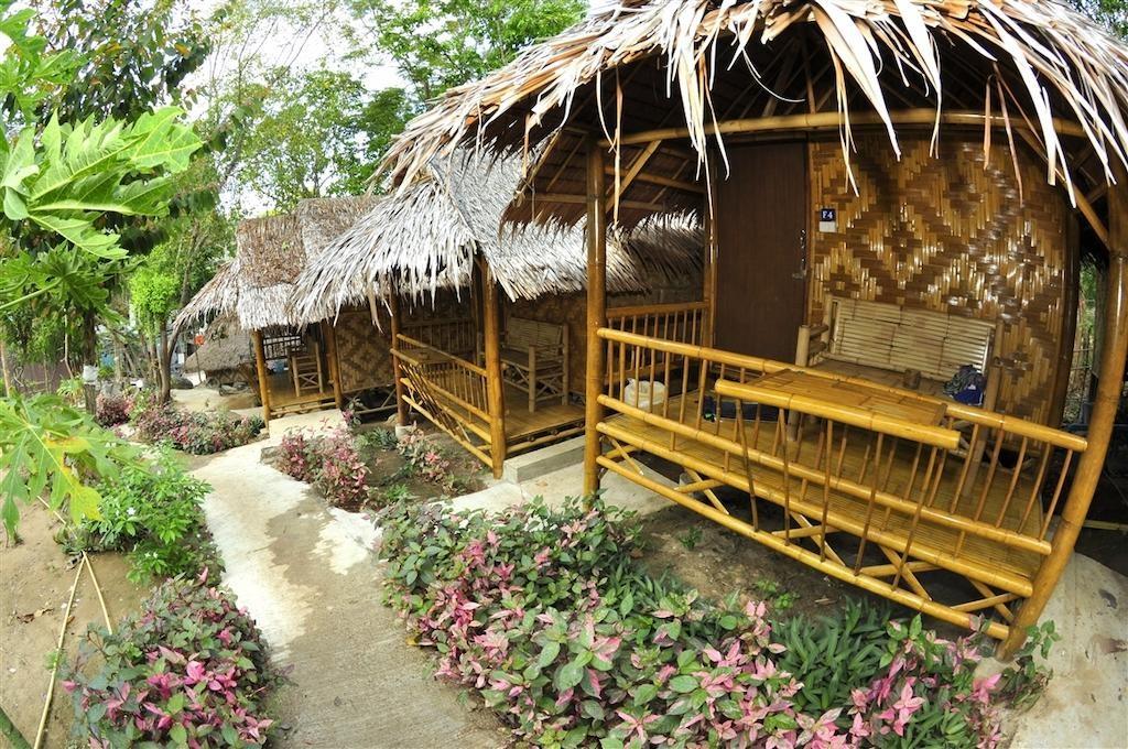 Phi Phi Hill Bamboo Bungalow (14).jpg