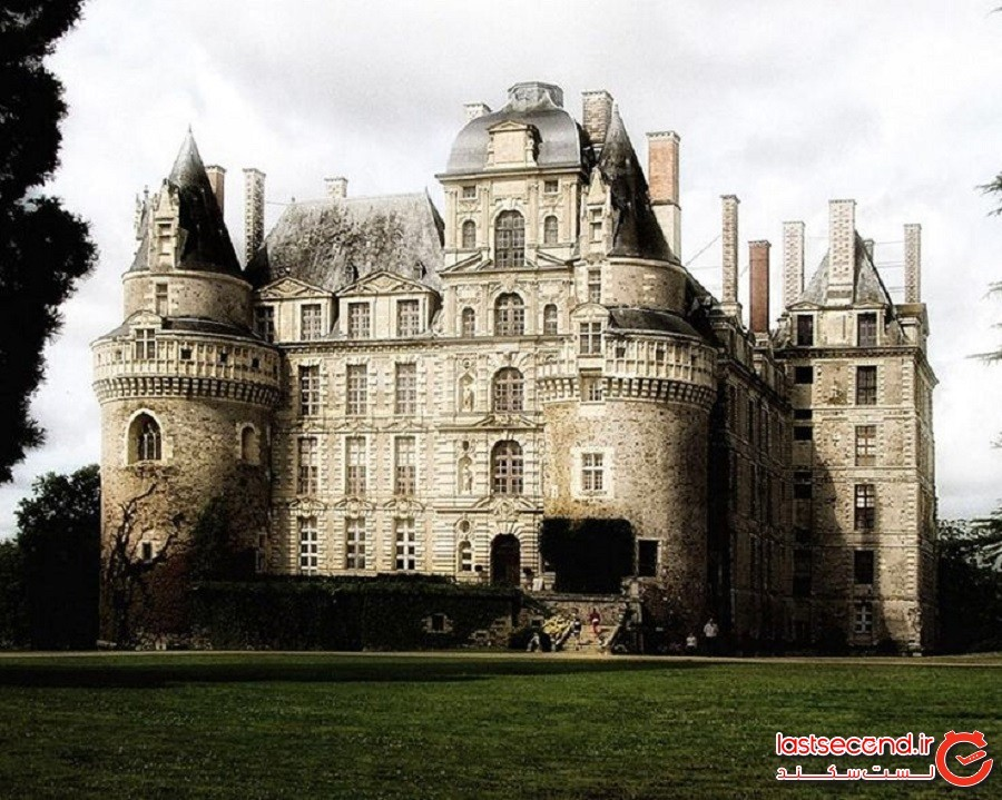 اشباح ناخرسند: قلعه بریساک (فرانسه)