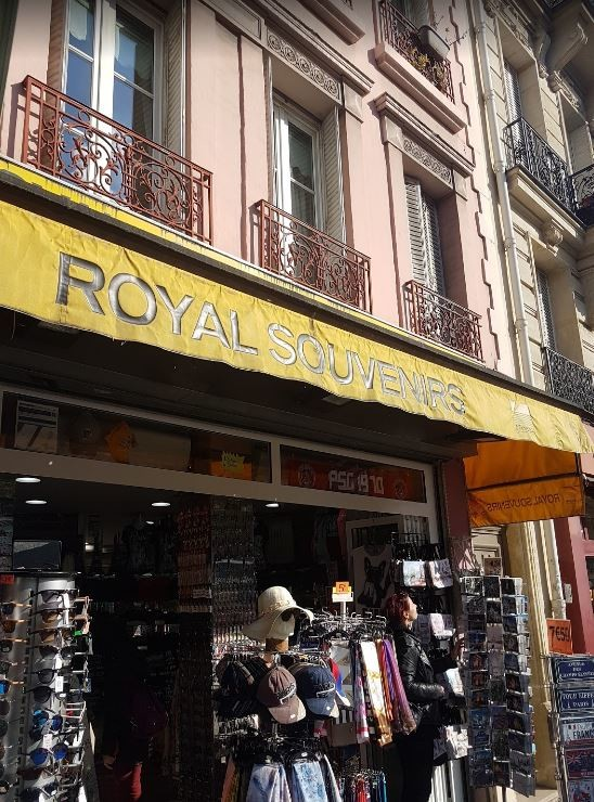 Royal Souvenir paris (1).JPG