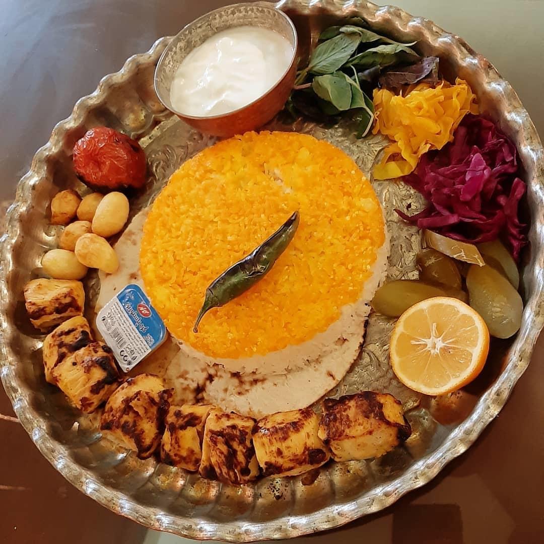 Emarat Kolah Farangi Restaurant Andisheh (3).jpg