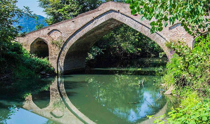 پل خشتی نالکیاشر لنگرود، راه ارتباطی زیبایی که تاریخ ساز شد!