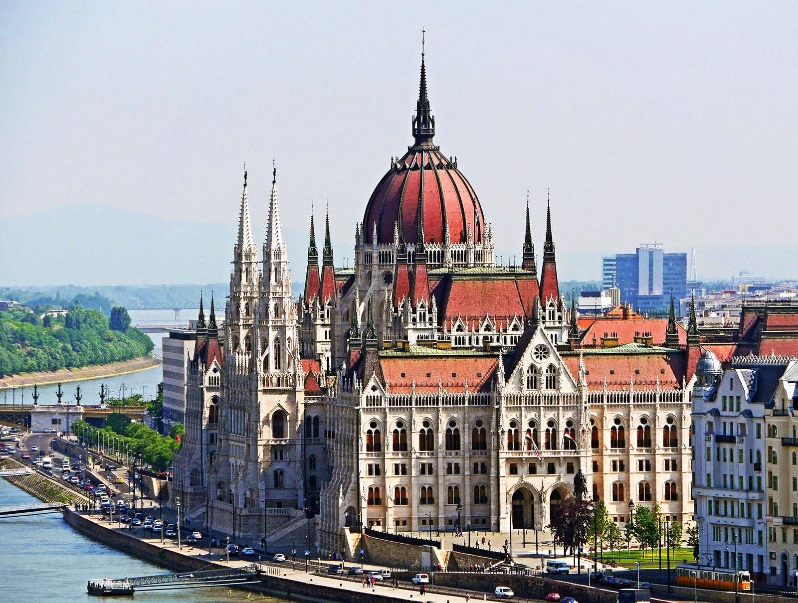 Hungarian Parliament Building (2).jpg