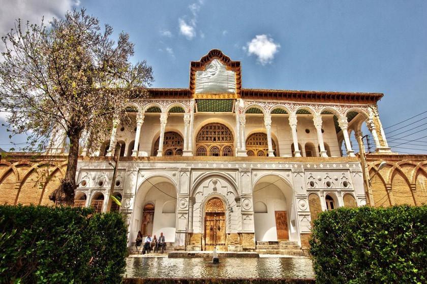 عمارت خسروآباد، بنایی خیره کننده برای چندین نسل در کردستان!