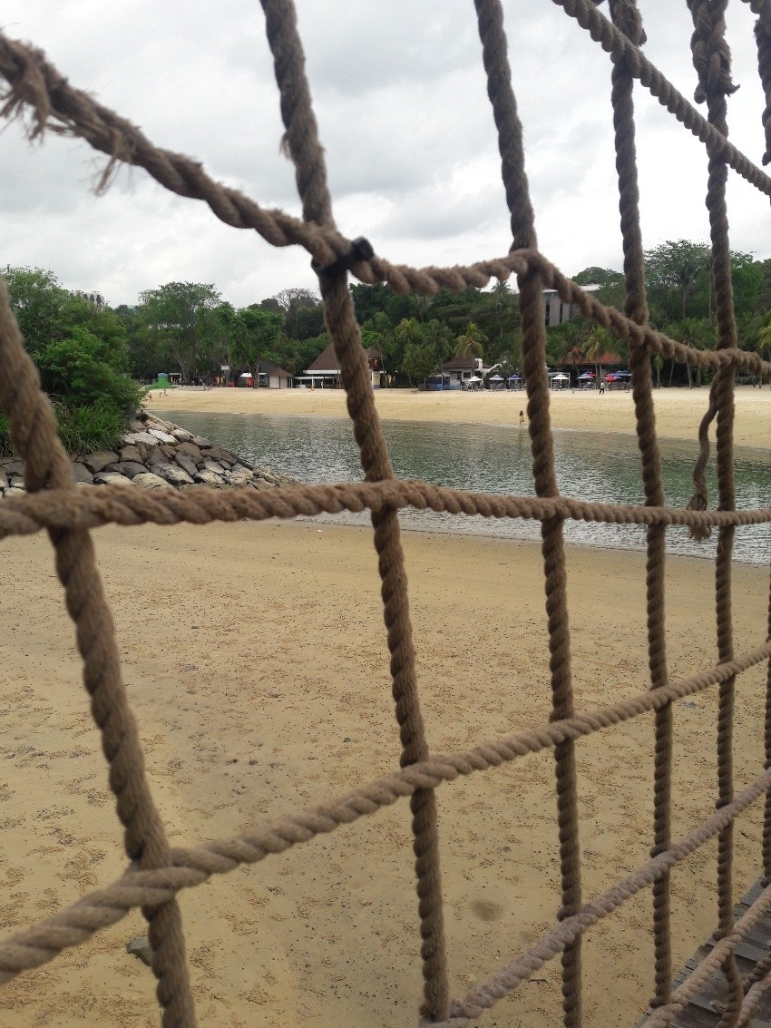 Floating Bridge at Siloso Beach (4).jpeg