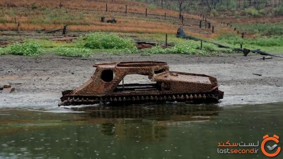 خشکسالی سبب شد تا دهکده گمشده استرالیایی به همراه تانکهای آمریکاییاش از آب سر برآورد
