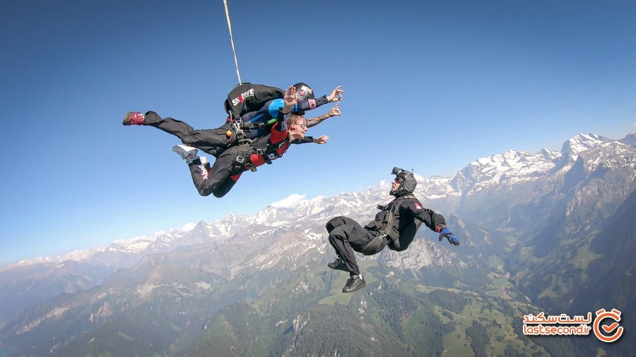Tandem-Skydivers-About-To-Exit-Plane.jpg