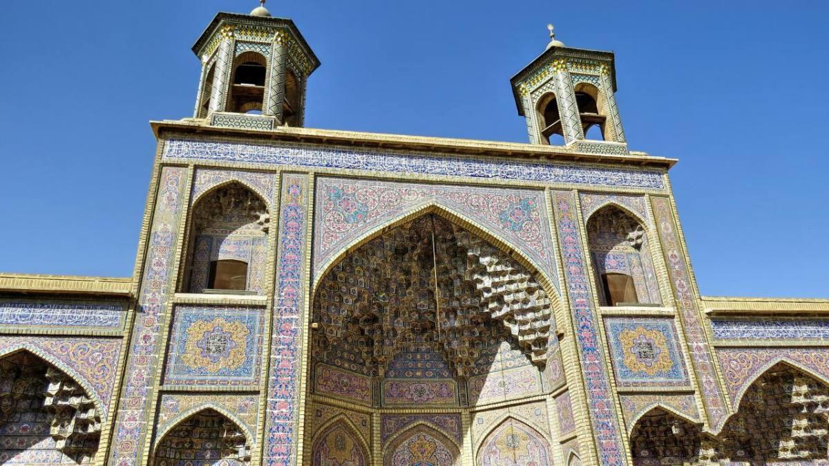نصیرالملک، صورتی ترین مسجد ایران که در شیراز می درخشد!