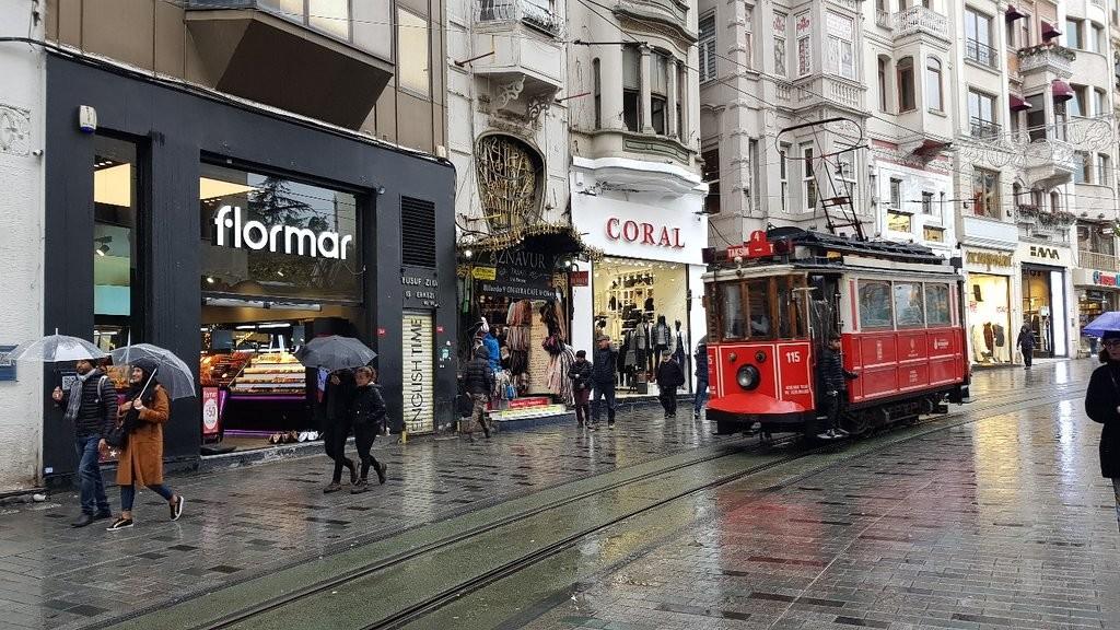 istiklal-street-istanbul (2).jpg