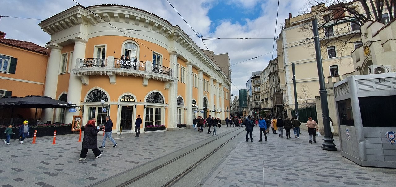 istiklal-street-istanbul (3).jpg
