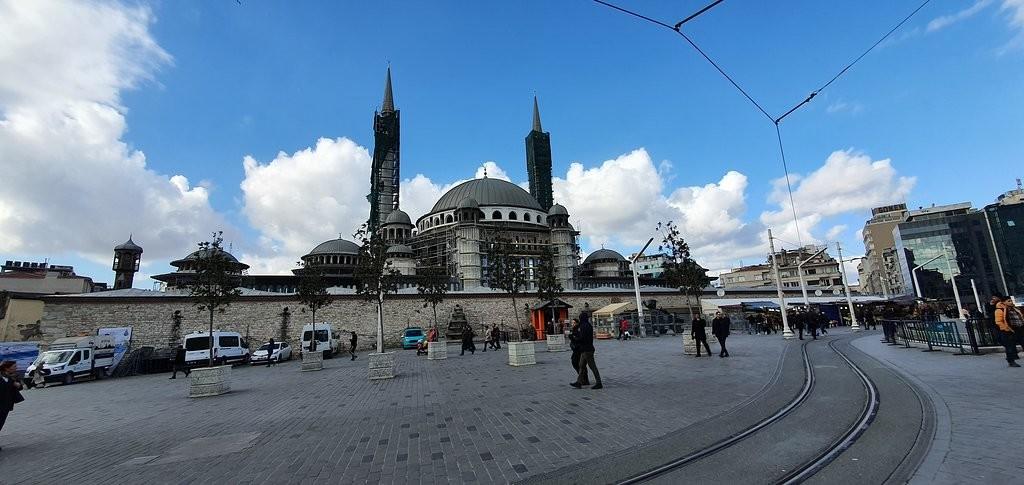istiklal-street-istanbul (1).jpg