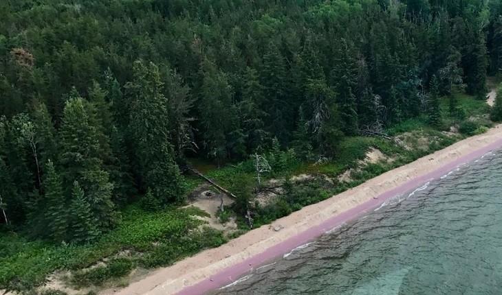 ساحل دریاچه کندل ساسکاچوان؛ ساحلی با رنگ عجیب در کانادا!